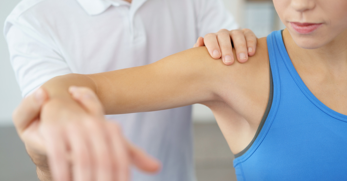 physiotherapist treating patient Shoulder Pain BodyViva