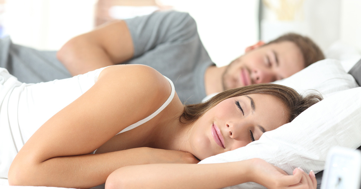 couple sleeping tips to reduce stress bodyviva