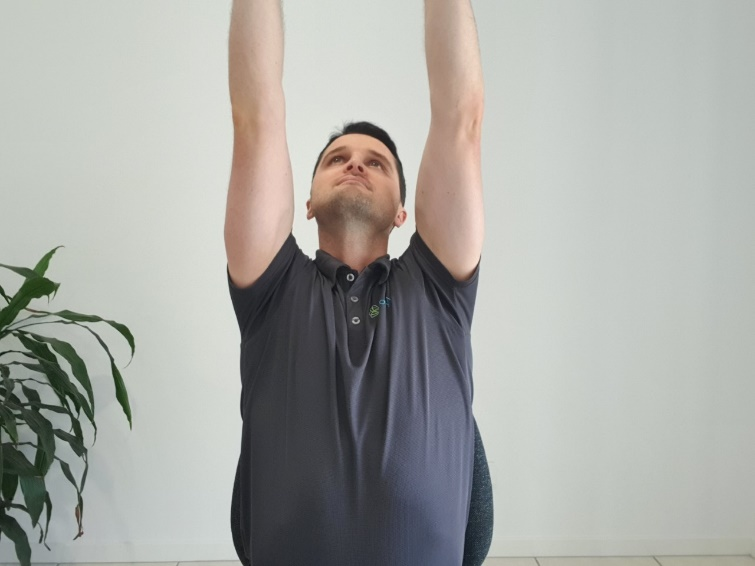 arm extension, back extension